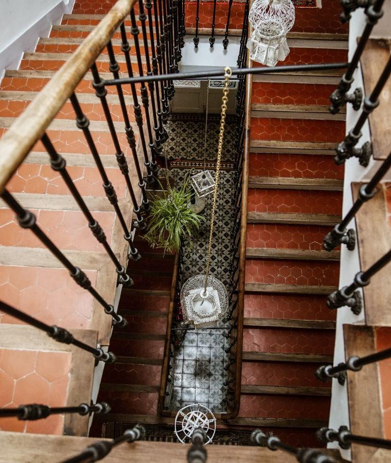 escalier villa saint marc, boutique hôtel à Forcalquier